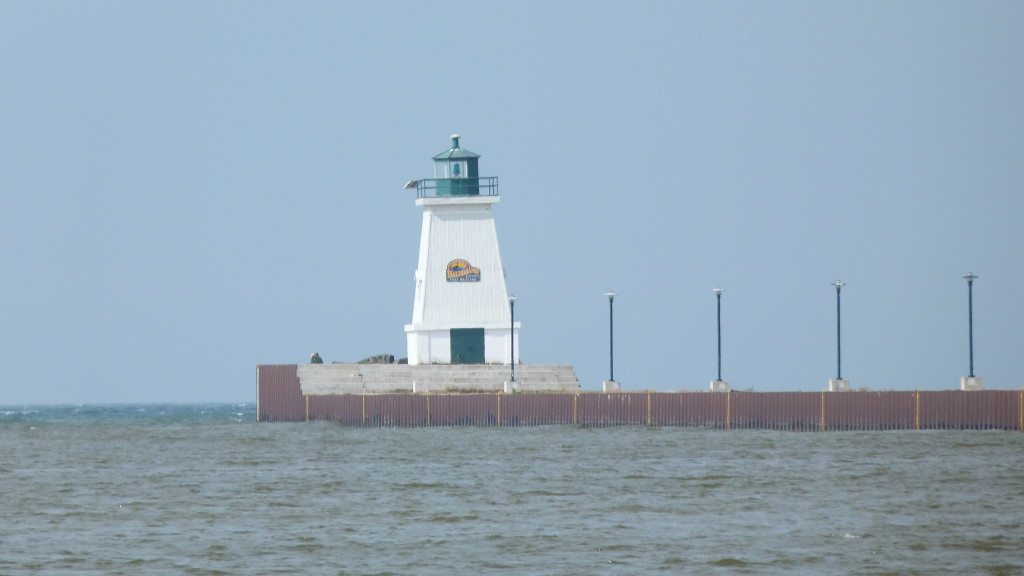 Things to do rent sandyview cottage on a real for Lake erie pier fishing